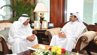 QAB's Chairman present a honorary membership to H.E the Minister of Energy and Industry